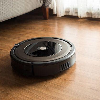 Az iRobot Roomba robotporszívó minden felületen tökéletesen mozog, legyen szó szőnyegről, csempéről vagy parkettáról!  Nálatok hol van a legnagyobb por? #irobot #roomba #cleaning #vacuumcleaner #takarítás